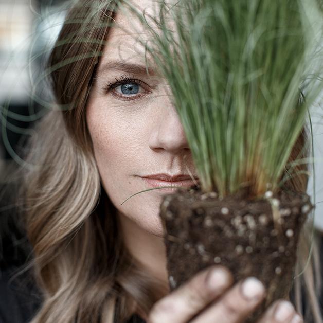 Anja Bach Hansen - Skråsnit blomsterdesigns